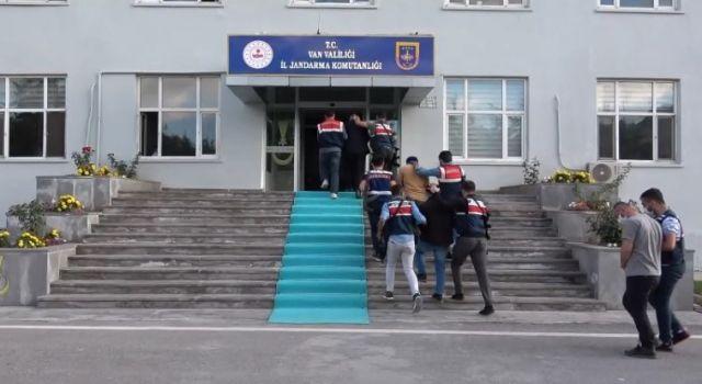 Van merkezli 5 ilde yapılan baskınlarda 12 kişi gözaltına alındı
