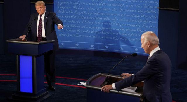 """""""Palyaço"""", """"Putin'in köpeği"""", """"ABD'nin en kötü başkanı"""": 3 Kasım öncesi Biden ve Trump ilk kez yüz yüze geldi, ekranlar kaosa büründü"""
