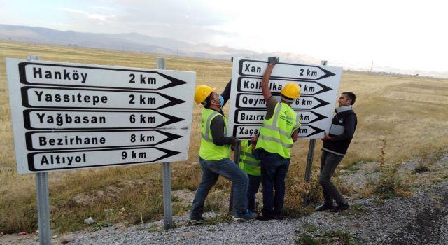 VBB: Kürtçe tabela kaldırılmadı yenilendi
