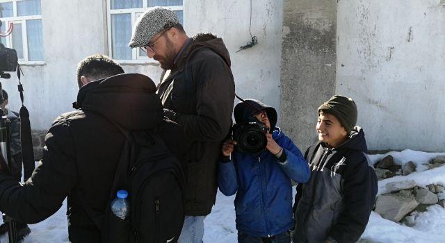 Van'da MA ve Jinnews muhabirleri gözaltına alındı
