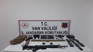 Van'ın Başkale ilçesinde jandarma ile PKK üyeleri arasında çatışma çıktı