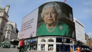 İngiltere'de okullar yeniden açıldı